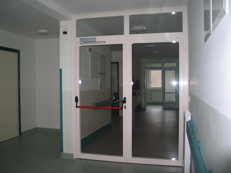 Двери противопожарные стеклянные фото